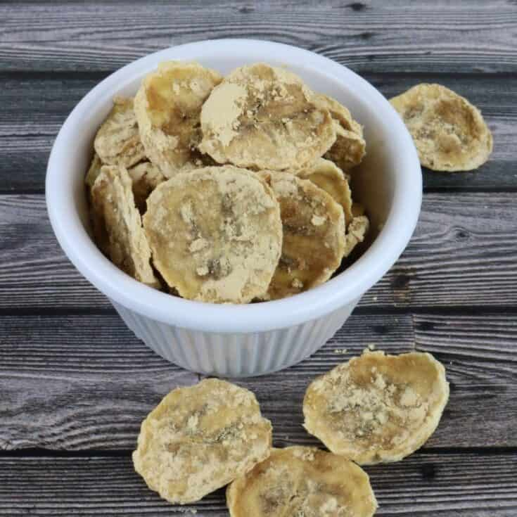 2-Ingredient Dehydrated Peanut Butter Banana Chips for Dogs