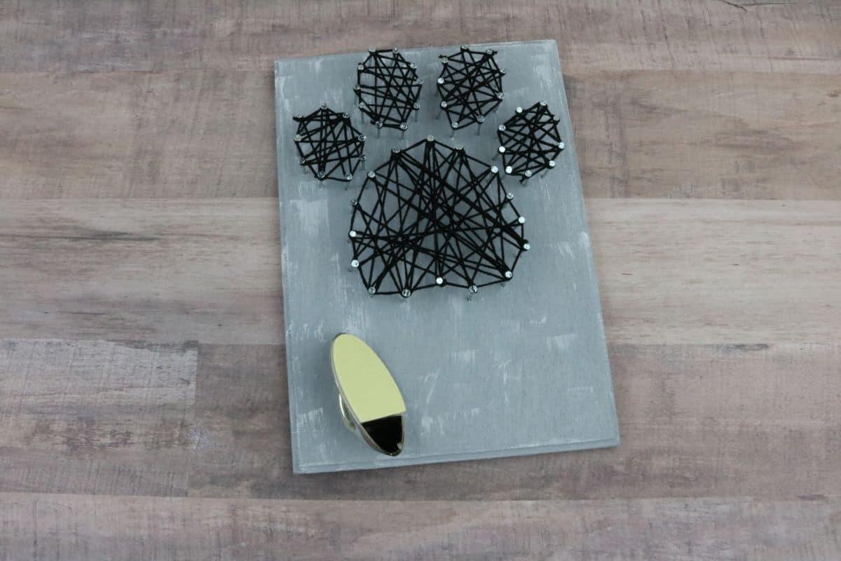 DIY String Art Dog Leash Holder