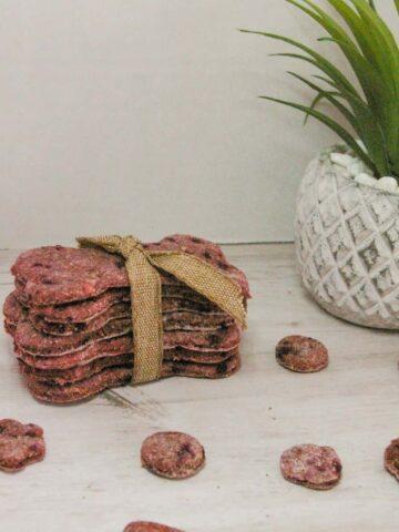 DIY: Oatmeal, Banana and Beet Dog Treats