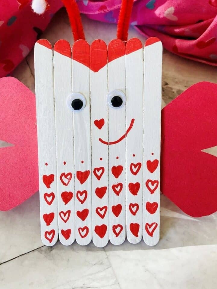 15 Minute Crafts: Popsicle Stick Love Bugs