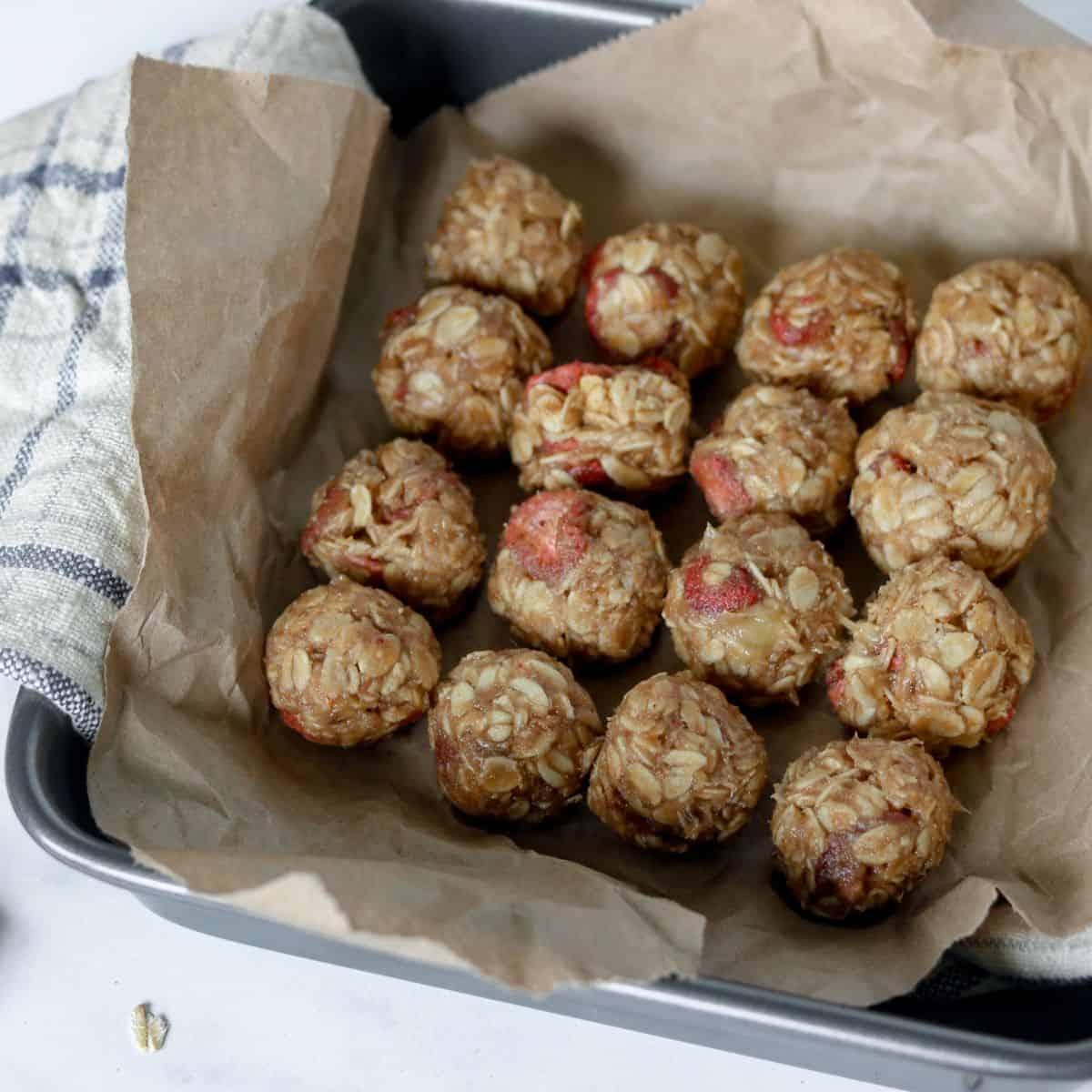peanut butter fruit and oat balls