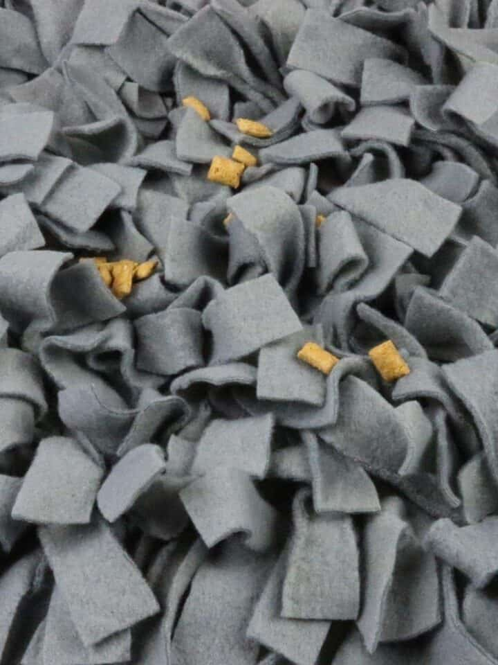 DIY: How to Make a No-Sew Snuffle Mat